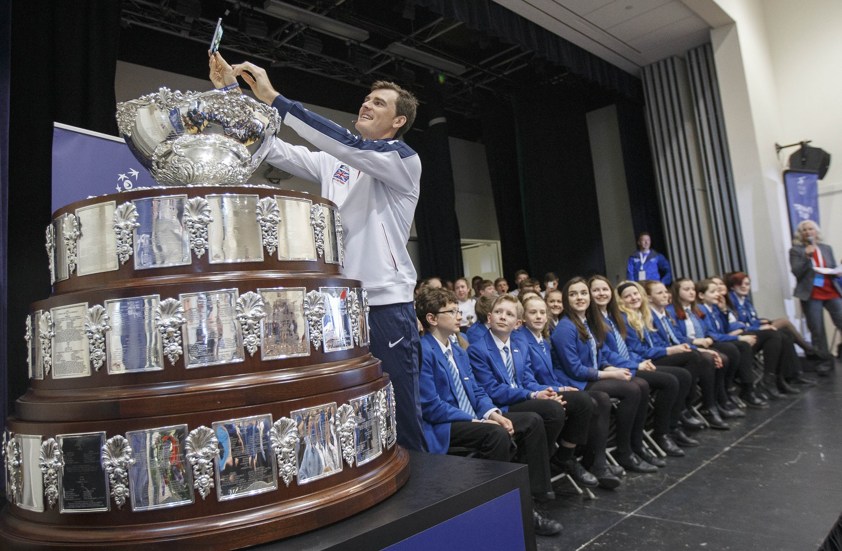 Jamie Murray takes a selfie at Dunblane High School.