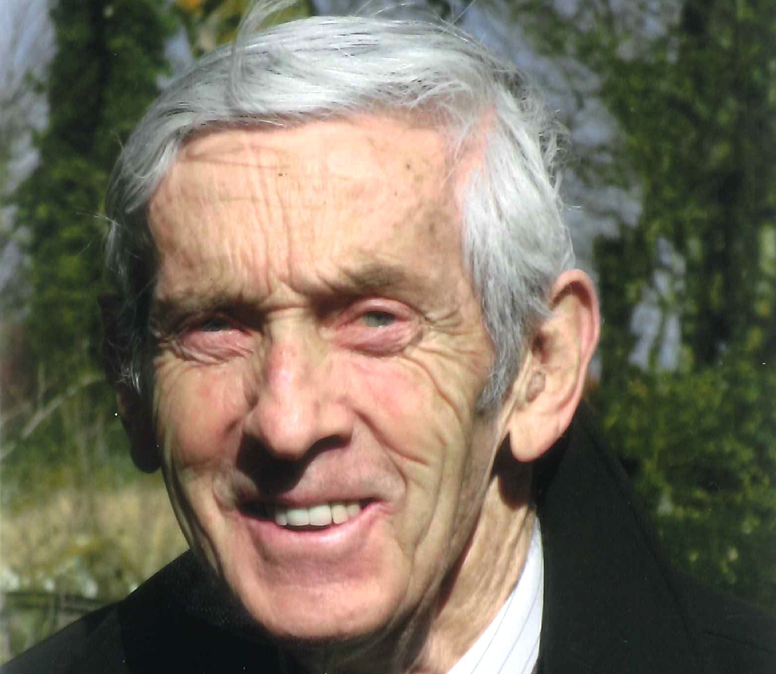 Bob Benzies, the former managing director of family business Culross the printers, has died aged 85.