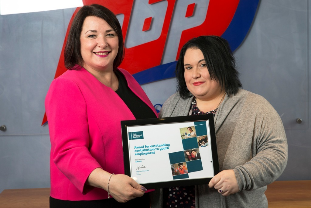 Claire Owen presents the Scotland Youth Employer of the Month Award to ABP Human Resources Officer Sonia Riveiro.