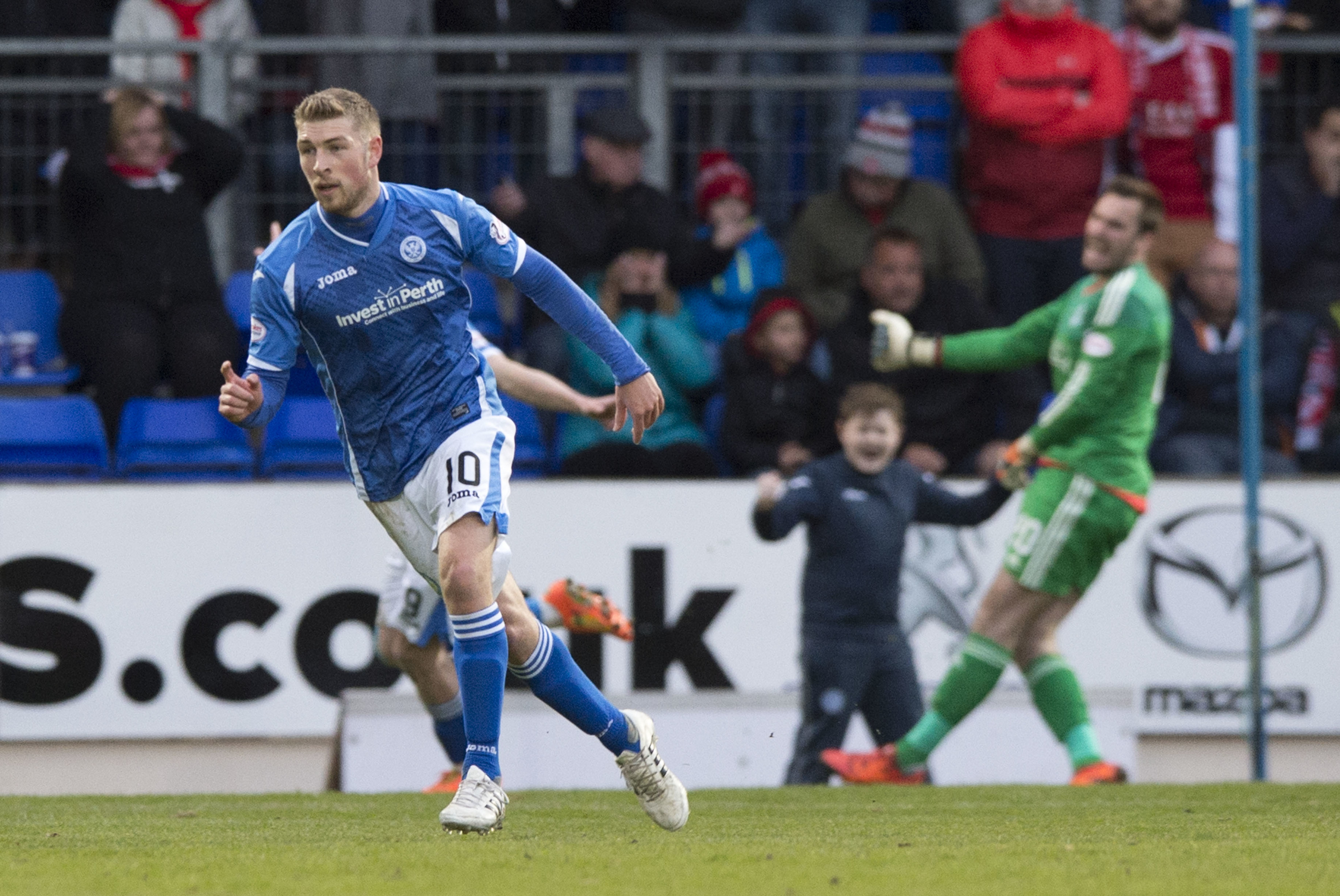 David Wotherspoon celebrates his opening goal.