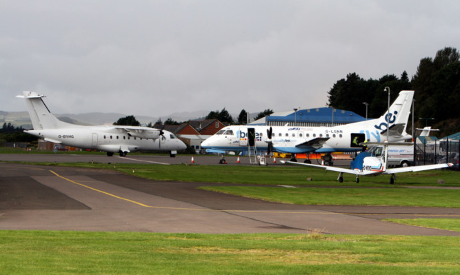 Operators HIA have raised concerns that giant turbines could cause problems for aircraft using Dundee Airport.