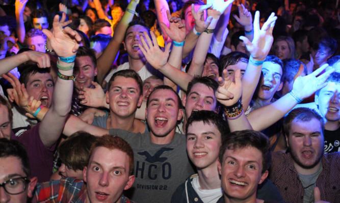 Students enjoying a night at DUSA.