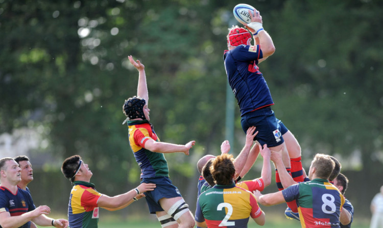 Dundee HSFP win line-out ball.