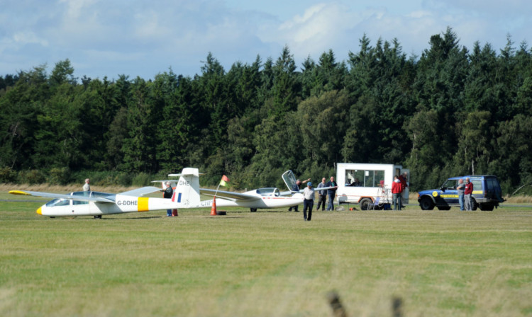 The British Gliding Association is to hold an investigation into the incident at Portmoak Airfield.