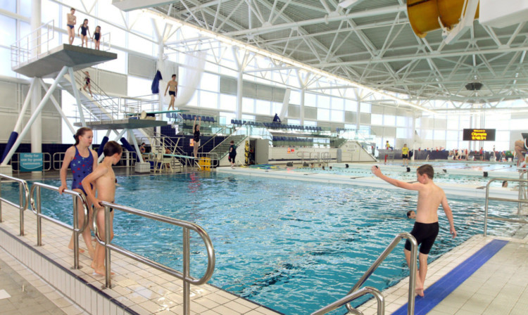 Sports minister hails popularity of new olympia swimming - Dundee swimming pool opening times ...