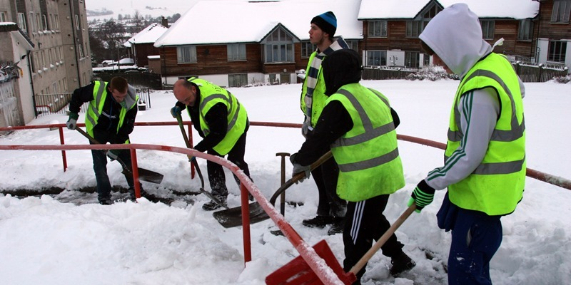 snow scene, Community Service workers clearing paths in Alloway Terrace, Dundee