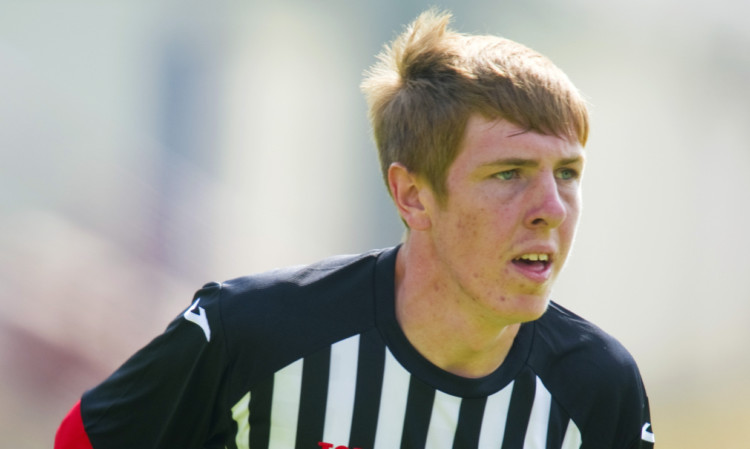 Lewis Martin in action for Dunfermline.