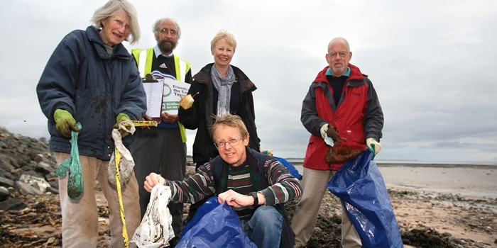 Kris Miller, Courier, 17/09/11. Picture today at Broughty Ferry shows the group of volunteers who took part in a beach clean up and census. L/R, Mary Henderson, Doug McLaren, Lynn Williamson, Andrew Llanwarne (front) and Stuart Cameron.