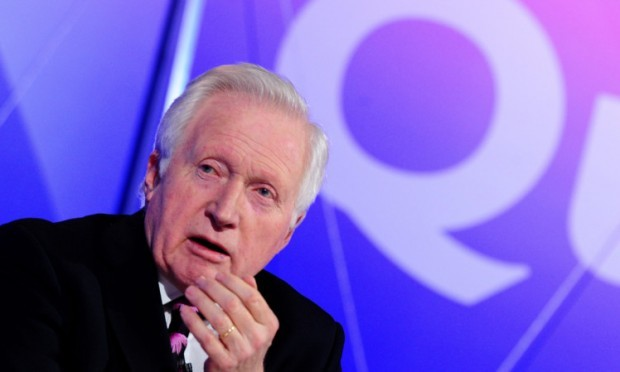 David Dimbleby will host Question Timein Dundee later this month.