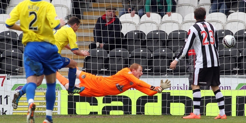 21/04/12 Sunday Post, Chris Austin. Paisley