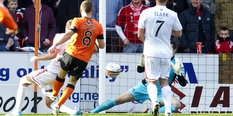 20/10/12 CLYDESDALE BANK PREMIER LEAGUE DUNDEE UTD v ABERDEEN (1-1) TANNADICE - DUNDEE John Rankin (8) prods home for Dundee Utd to open the score