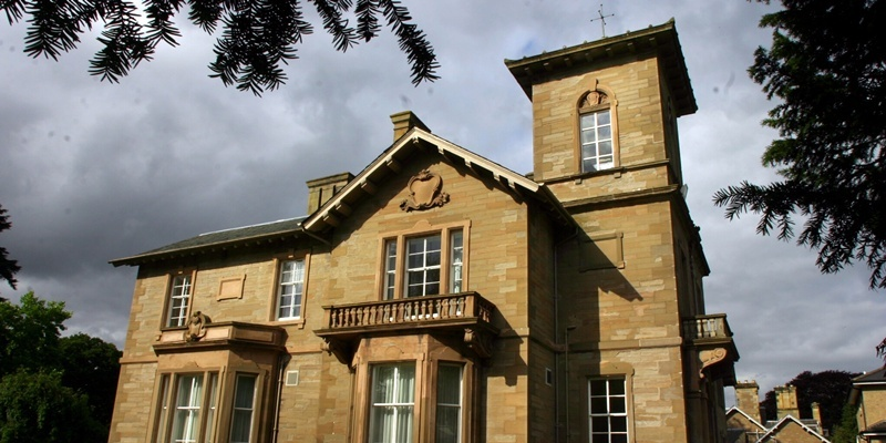 Living War Memorial Bowerswell House Passed To Servite