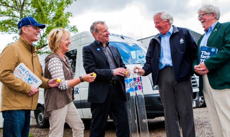 From left; Gordon Darge, Pam Wilson, Pete Wishart MP with alongside Alisdair Drummond and Councillor Dennis Melloy.