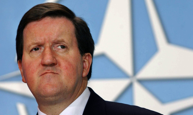 SNPs defence blueprint would see Scotland being guarded by a Dads Army, said former Nato secretary general Lord Robertson.