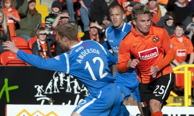 St Johnstone had hoped to secure the services of David Goodwillie (right).