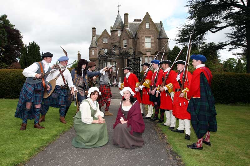 Steve MacDougall, Courier, Balhousie Castle, Perth. Re-enactments of battles by 'Verias Vincit'. Pictured, most of those that took part in the event.