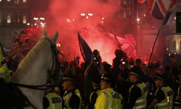 Police in Glasgow had to separate Unionists and Yes supporters as trouble flared in George Square after hundreds gathered following the result of the independence referendum.