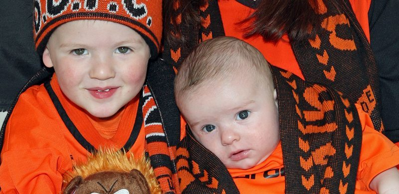 Kim Cessford, Courier - 18.05.10 - the youngest Dundee United fan to go to the cup final ? - pictured at their home 35 Glenartney Terrace, Perth are l to r - Logan and Riley with their mum Nadine Fearne - words from Perth