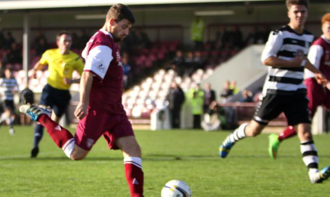 Bobby Linn scores Arbroaths second goal.