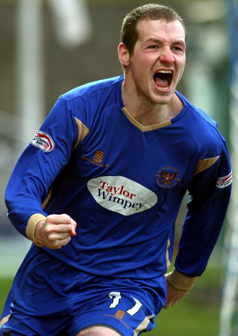 Football, St Johnstone v Hearts.    Kenny Deuchar celebrates his goal.