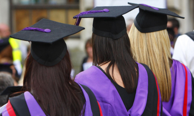 Applications to Scottish universities have risen by 7.1%.