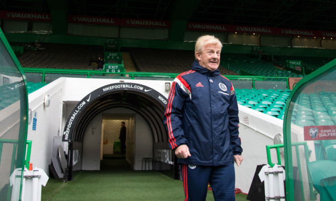 Gordon Strachan is back in familar surroundings, but doesn't want the Irish too feel too at home.