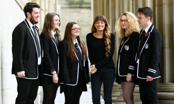 Nicola Benedetti with Baldragon Academy pupils Kieran Haxton, Sophie Watson, Rianne Dammer, Ross Bayne and Chloe McDermott.