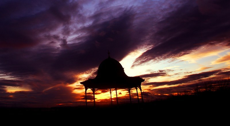 Sunset over Magdalen Green Bandstand, Magdalen Yard Road, Dundee. Scenic extra picture.