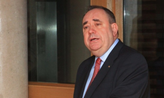 The SNP are challenging the Prime Minister to take on Alex Salmond in a TV debate.