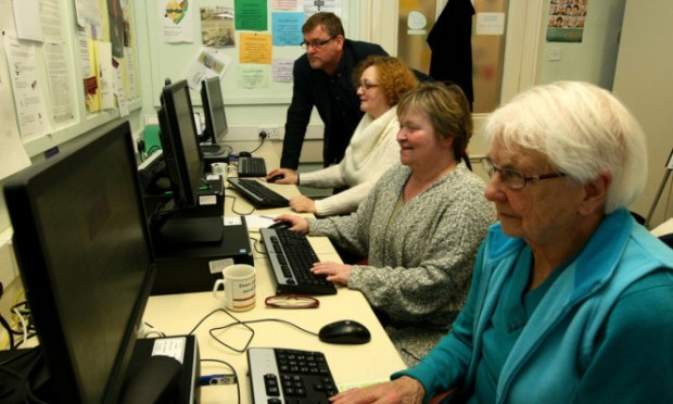 Councillor Bill Bowels with Cecilia Slater, Nicky Milne and Jean Ramsay at the Panmure Centre's Tuesday computer class.