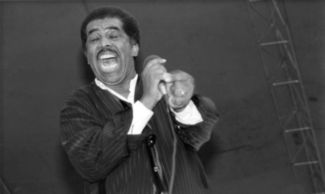 American R&B singer Ben E King, best known for the hit song 'Stand By Me', has died of a coronary related illness at the age of 76.