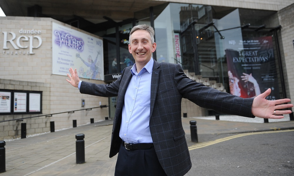 21.05.15 - pictured outside the Dundee Rep, South Tay Street, Dundee is the new CEO Nick Parr - words from Jenny