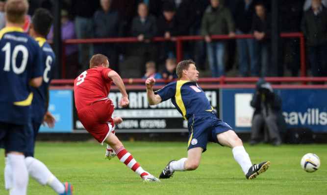 Aberdeen's Adam Rooney scored a hat-trick for his side.