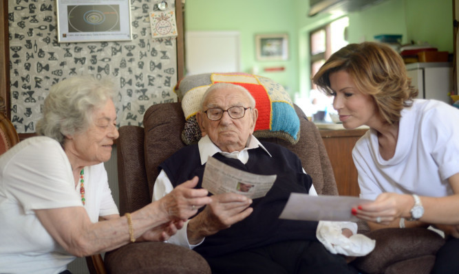 Sir Nicholas Winton with Natasha Kaplinsky (right) and Vera Schaufeld (left) one of the children he saved, as Sir Nicholas who organised the rescue of Jewish children from the Holocaust in 1939.