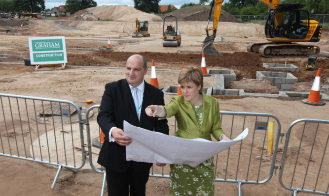 First Minister Nicola Sturgeon with NHS Fife chief executive Paul Hawkins on the new £4.4 million construction site at Stratheden Hospital.