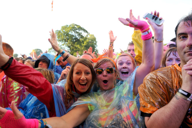 Thousands of music fans flocked to Scone Palace for a touch of nostalgia at Rewind Festival.