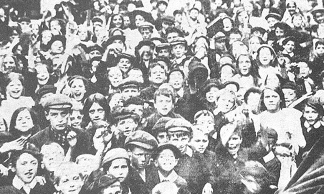 Pupils from Hull striking from school in 1911.