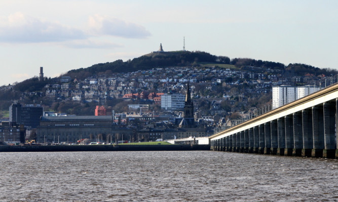 Kris Miller, Courier, 26/03/14. Picture today shows general view of Dundee from Fife.