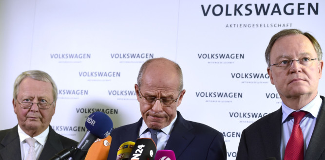 Volkswagen CEO Martin Winterkorn and other members of the board discuss the Volkswagen emissions crsis