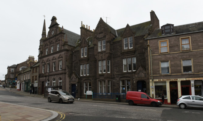 The Angus Council buildings at 5-7 The Cross, Forfar.