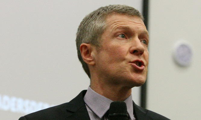 Scottish Liberal Democrat leader Willie Rennie beleives Fife would be better off if Amazon did not base its distribution centre in Dunfermline.