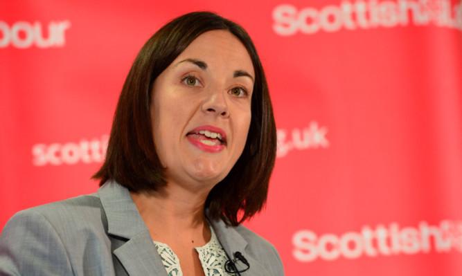 Scottish Labour leader Kezia Dugdale will propose a 1p rise in the rate of income tax in Scotland.