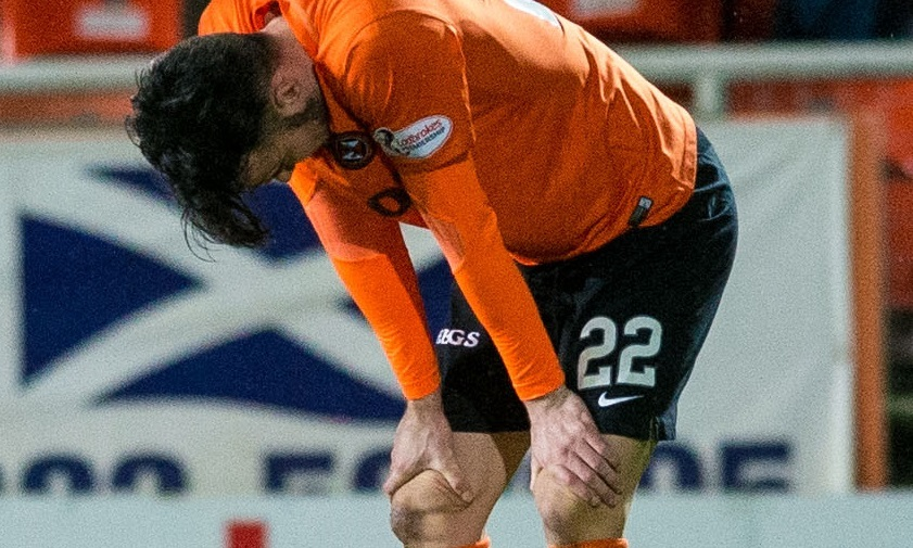 16/02/16 LADBROKES PREMIERSHIP   DUNDEE UNITED V MOTHERWELL   TANNADICE - DUNDEE   Dundee United's Scott Fraser with his hands on his knees at full time