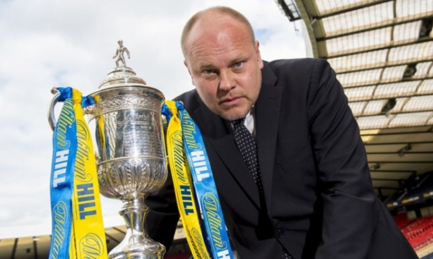 Mixu Paatelainen with the Scottish Cup.