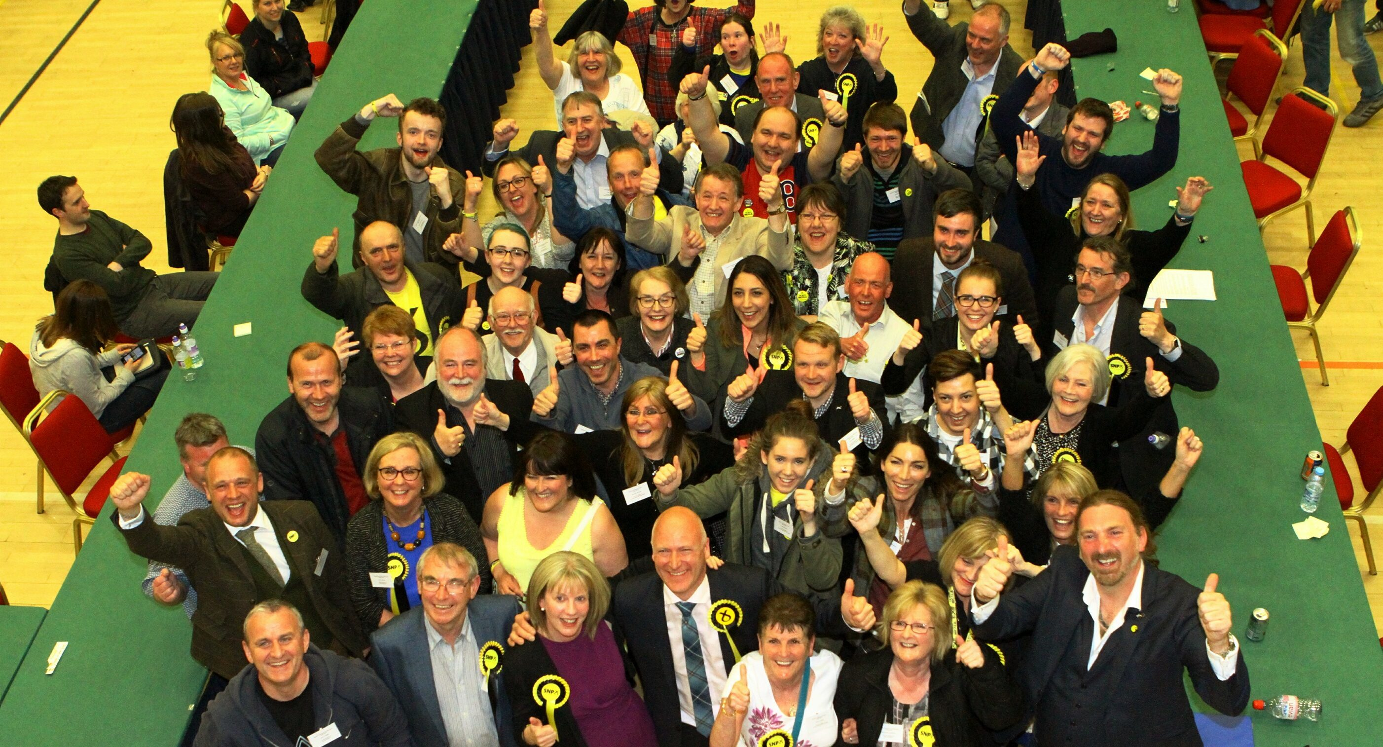 Shona Robison and Joe Fitzpatrick celebrate with the wider SNP team in Dundee.