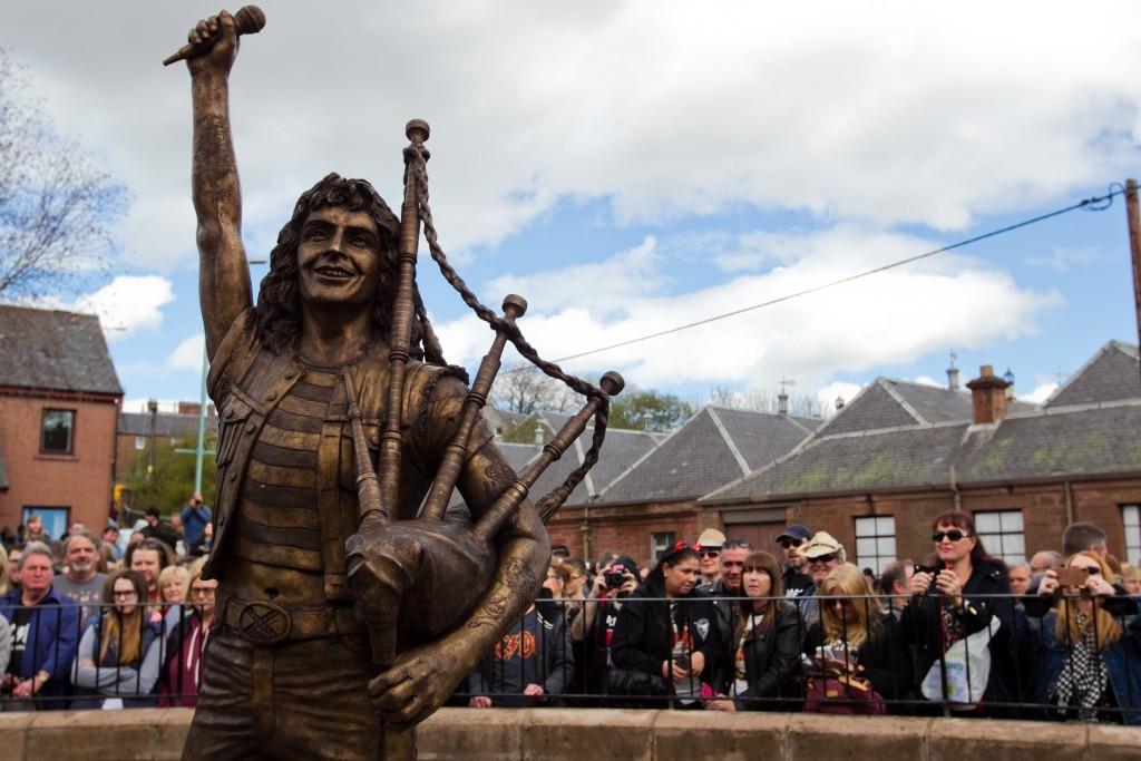 The Bon Scott statue in Kirriemuir