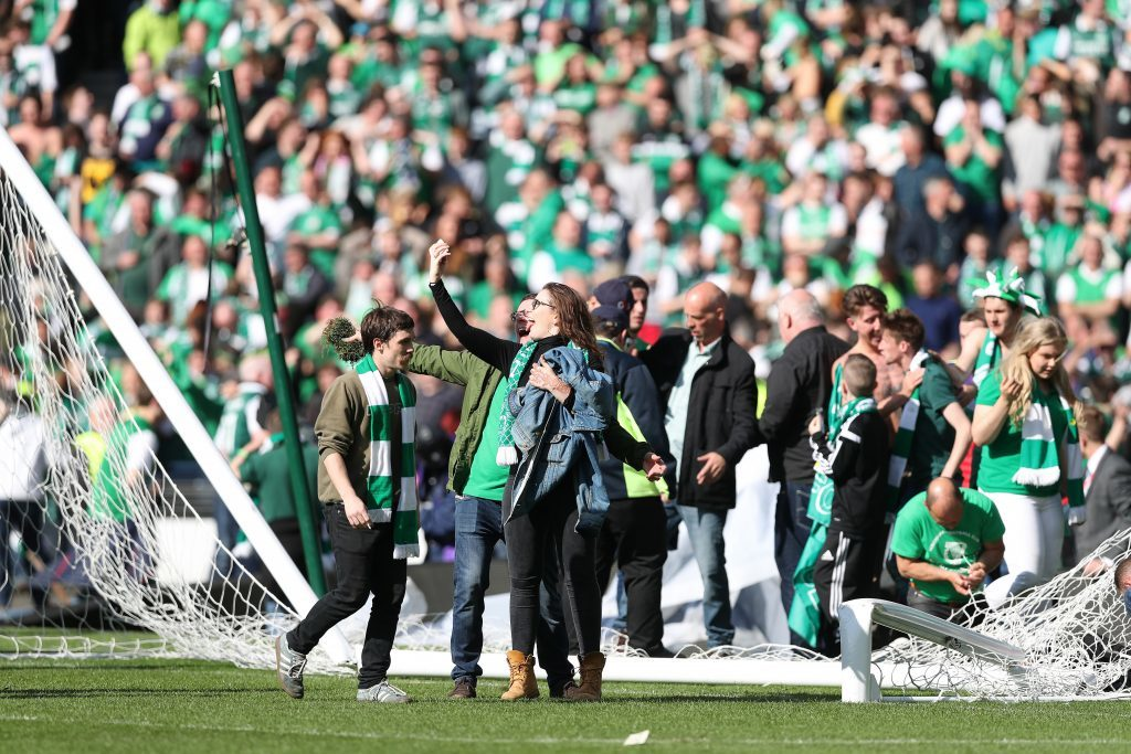GLASGOW, SCOTLAND - MAY 21: Hibs fans invade the pitch at the final whistle after winning the Scottish Cup Final between Rangers and Hibernian at Hampden Park on May 21, 2016 in Glasgow, Scotland. (Photo by Ian MacNicol/Getty)