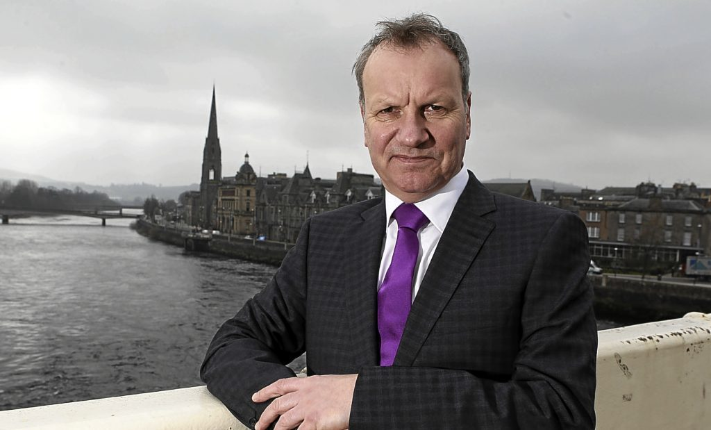 Pete Wishart.