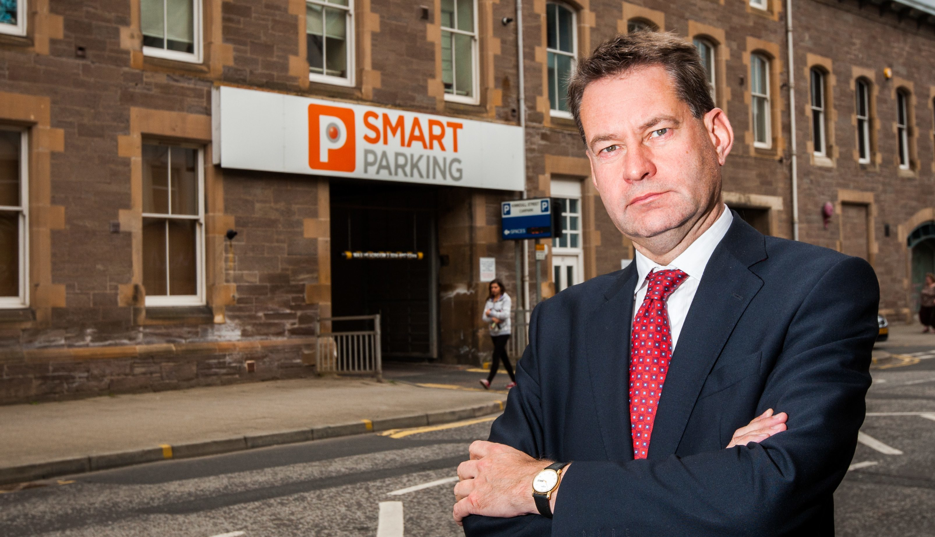 Murdo Fraser campaigning on local issues in Perth