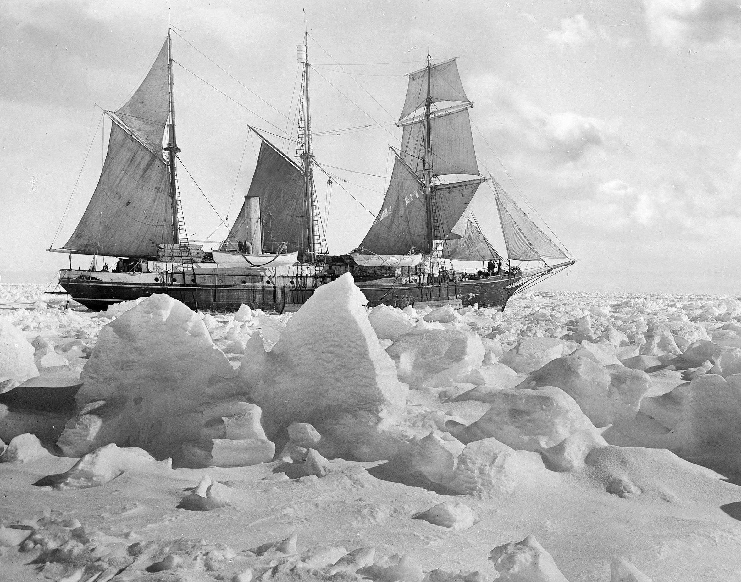 Dundee links remembered as ice explorers prepare to search